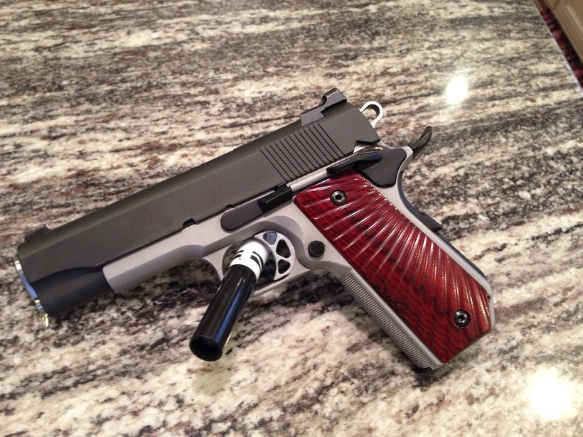 SGMGrips com - SGMGrips Custom Grips Gallery Guns depicted are for